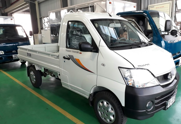 Bán xe tải Thaco Towner990 mới 100%, động cơ công nghệ Suzuki, xe sẵn giao ngay