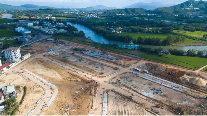 Cần bán lô đất đẹp - Vị trí vàng - View sông