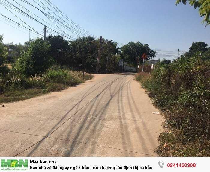 Bán nhà và đất ngay ngã 3 bến Lớn phường tân định thị xã bến Cát