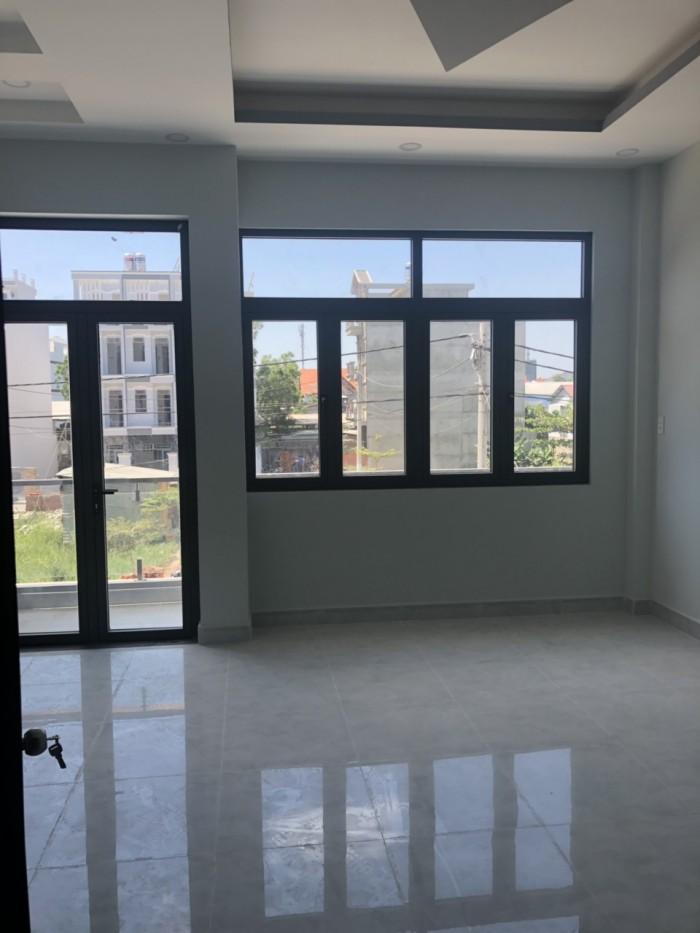 Bán nhà phố đường Đào Tông Nguyên, khu cafe Omely, Nhà Bè, DT 5 x 16m, 3 lầu, 4PN, giá 5.5 tỷ