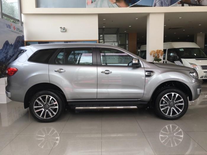 Bình Tân_ Ford Everest giá tốt nhất, xe giao ngay + Km phụ kiện