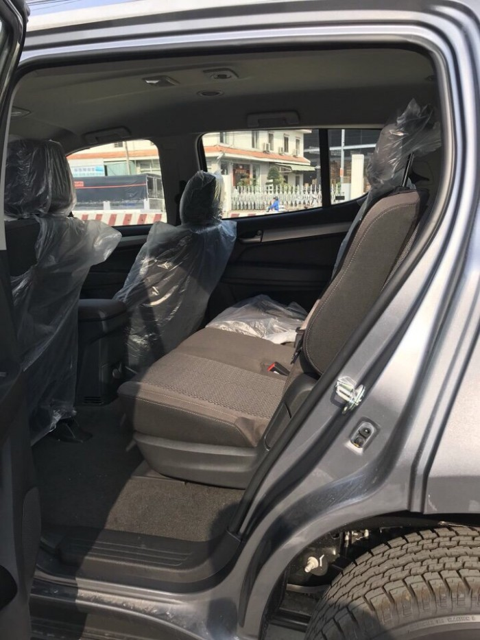 Chevrolet Trailblazer SUV 7 chỗ nhập Thái - Khuyến mãi 30 triệu
