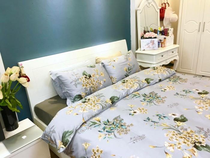 Giường ngủ, tủ áo, bàn trang điểm, táp1
