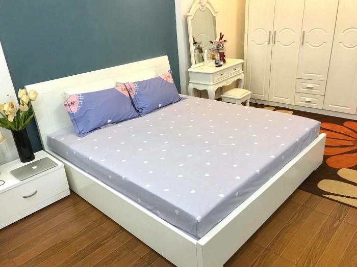 Giường ngủ, tủ áo, bàn trang điểm, táp2