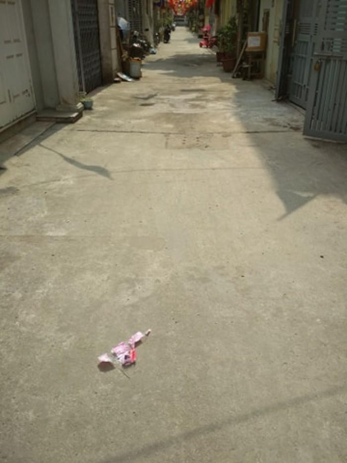 Bán nhà khu Z133 tổ 17 Thượng Thanh Long Biên ô tô đỗ cửa.