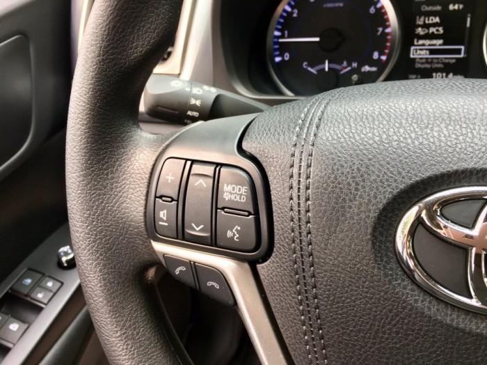 MT AUTO bán xe Toyota Highlander LE năm 2017, màu đen, nhập khẩu Mỹ 20