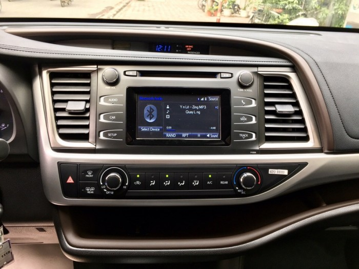 MT AUTO bán xe Toyota Highlander LE năm 2017, màu đen, nhập khẩu Mỹ 17