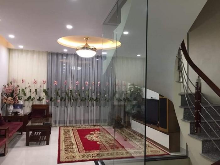 Nhà ngõ ô tô , thang máy, Phố Hoàng Văn Thái 60m2, 7 tầng