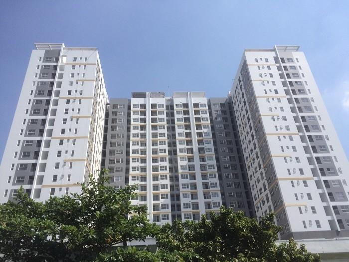 Cần bán gấp căn hộ Goldview Quận 4, Dt 82m2, 2 phòng ngủ, nhà rộng thoáng mát, tặng nội thất, sổ hồng