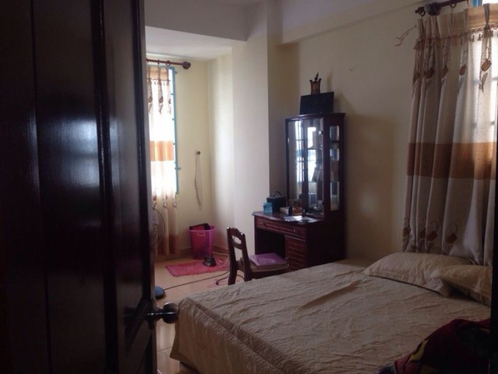 Cần bán gấp căn hộ Bông Sao Q.8, DT 60m2, 2pn, sổ hồng chính chủ.