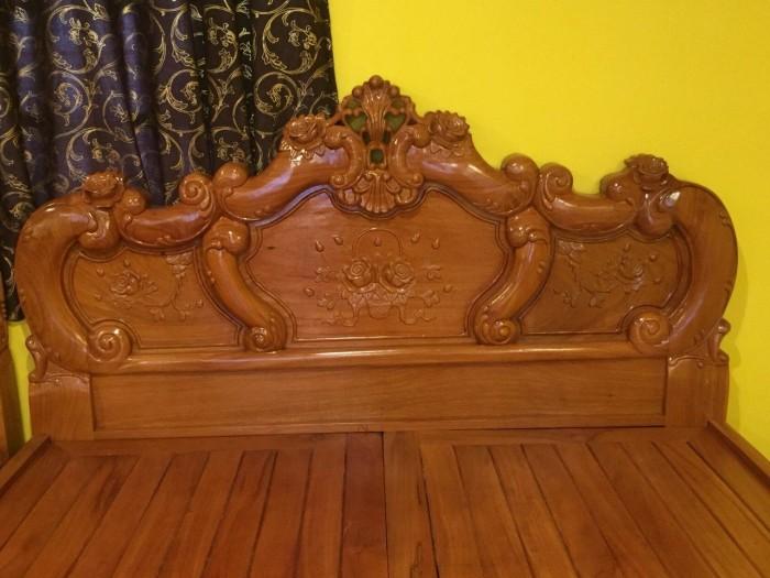 Giường ngủ hoa hồng gỗ quý3
