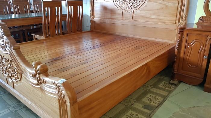 Giường ngủ hoa văn gỗ cực chất lượng2