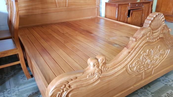 Giường ngủ hoa văn gỗ cực chất lượng1