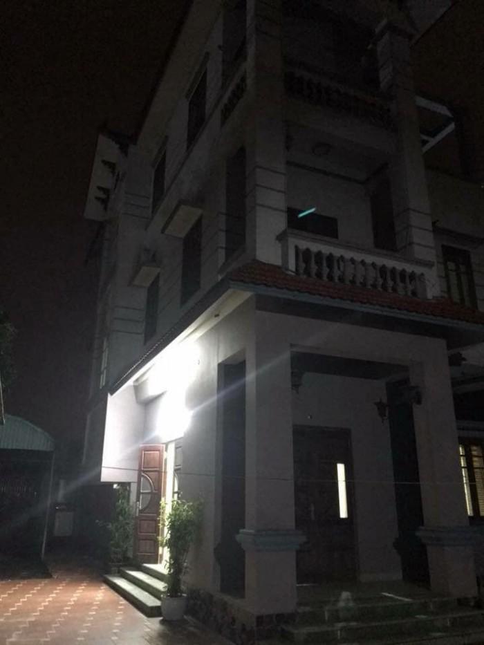 Bán nhà 4.5 tầng ngõ 66 Phố Ngọc Lâm-Long Biên.DT 30m2