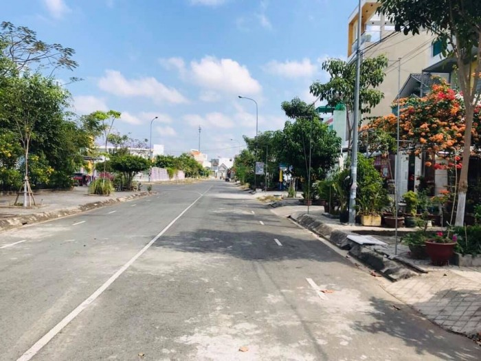 Bán Nền Cách Mặt Tiền Nguyễn Văn Cừ 20m