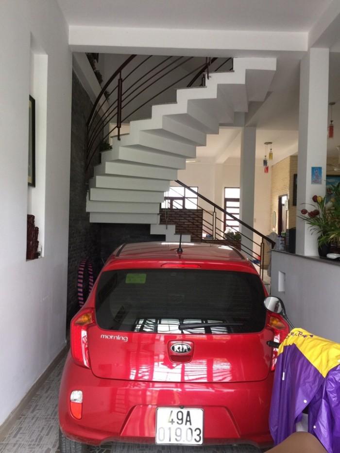 Bán nhà phố Conic có DT 126m2 gồm 1 trệt, 3 lầu ngay MT Nguyễn Văn Linh, sổ hồng