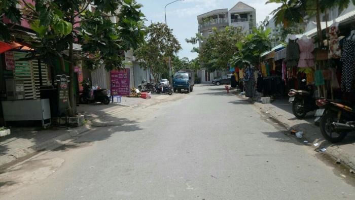 Bán nhà phố góc 02 mặt tiền KDC Savimex, chợ Phú Thuận, P. Phú Thuận, Q7.