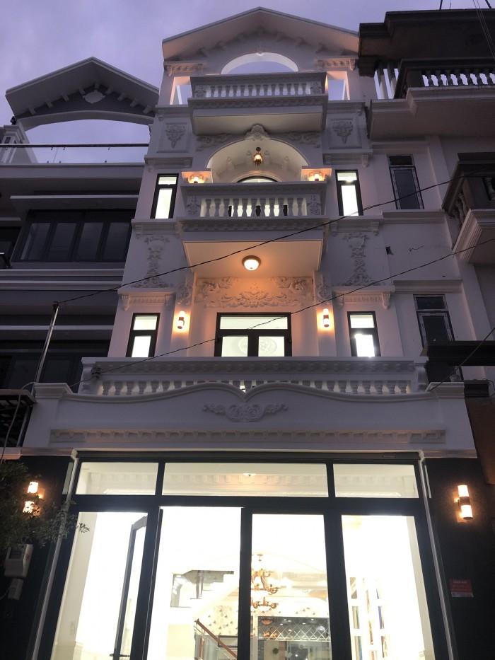 Bán nhà biệt thự 3 lầu DTXD 250m2, 4PN, đường nội bộ Huỳnh Tấn Phát, tặng nội thất