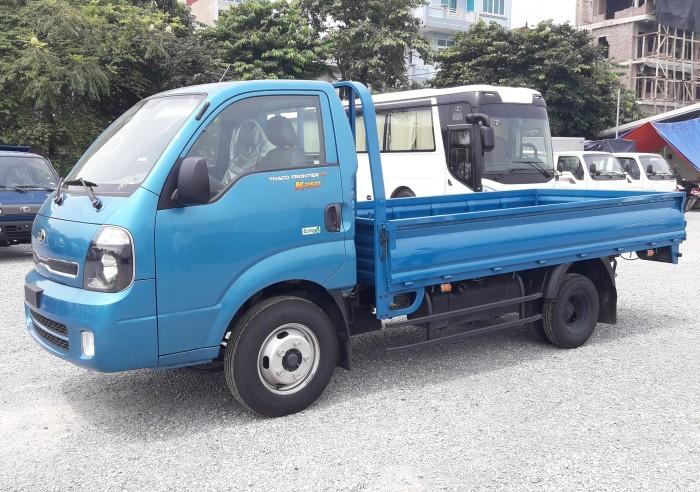 Cần bán xe tải KIA K250 thùng lững tải trọng 2,49 tấn vào SG, có bán trả góp trên toàn quốc.