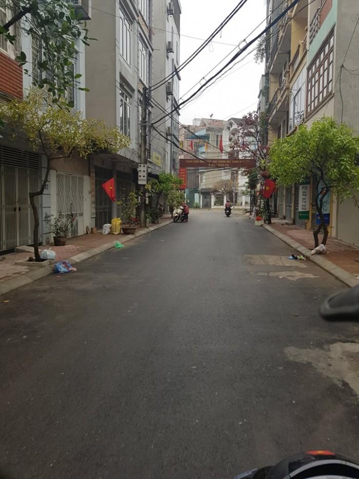 Chính chủ bán gấp nhà gần đường Chiến Thắng 33,6m x 5T, ngõ thông 2 ô tô tránh nhau