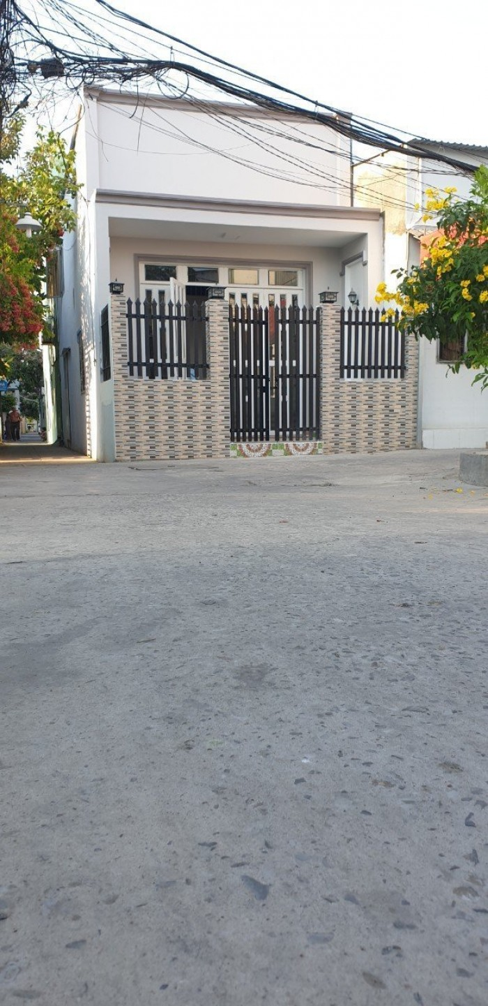 Bán nhà hẻm 1942 đường Huỳnh Tấn Phát, Nhà Bè, Tp.HCM. DT 4 x 12m, 2PN.