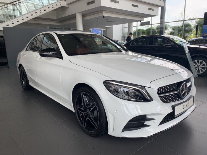 Mercedes C300 AMG - 2019 3