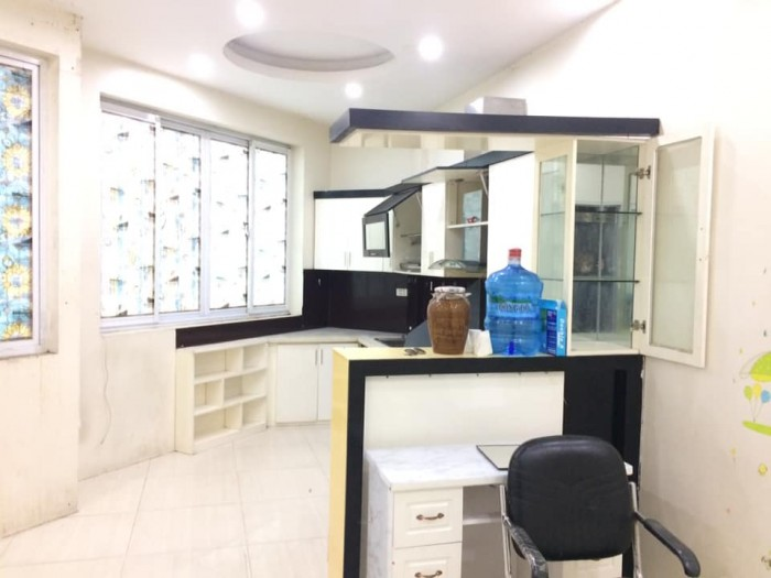 Nhà mặt phố Thanh Nhàn, Hai Bà Trưng 30m2, 5 tầng