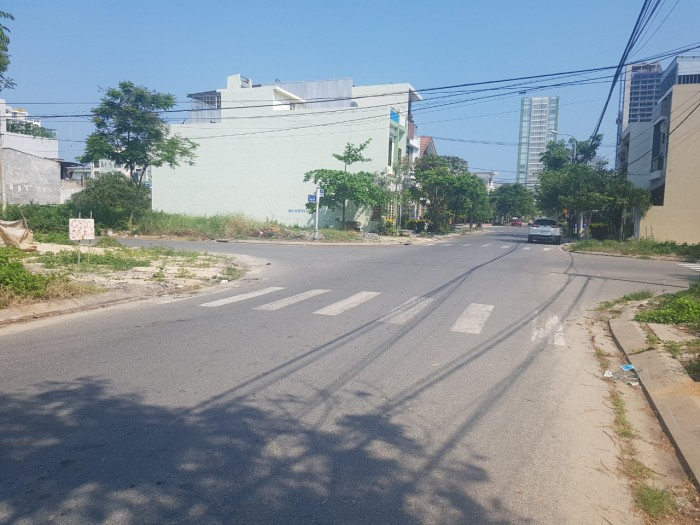 Đất Biển Vàng-Mỹ Khê Đà Nẵng Ngay Đường Phạm Văn Đồng, Thuận Tiện Xây Nhà Hàng Khách Sạn