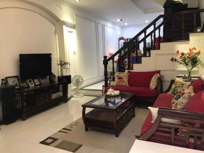 Cần bán gấp nhà mới 5 tầng ở ngay trung tâm Trương Định 33M2