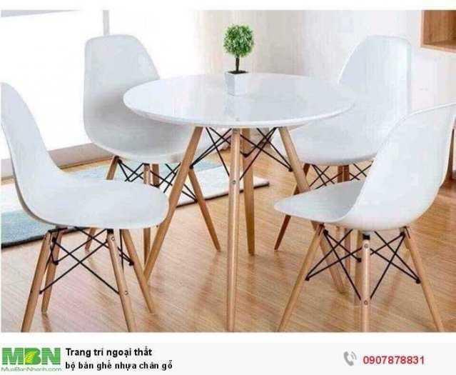 Bộ bàn ghế nhựa chân gỗ0