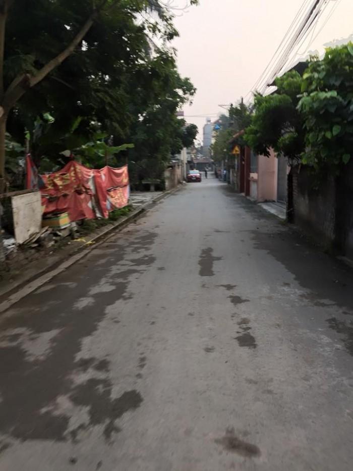 Bán Đất Thổ Cư 50m Giang Biên ( Hàng Mới )