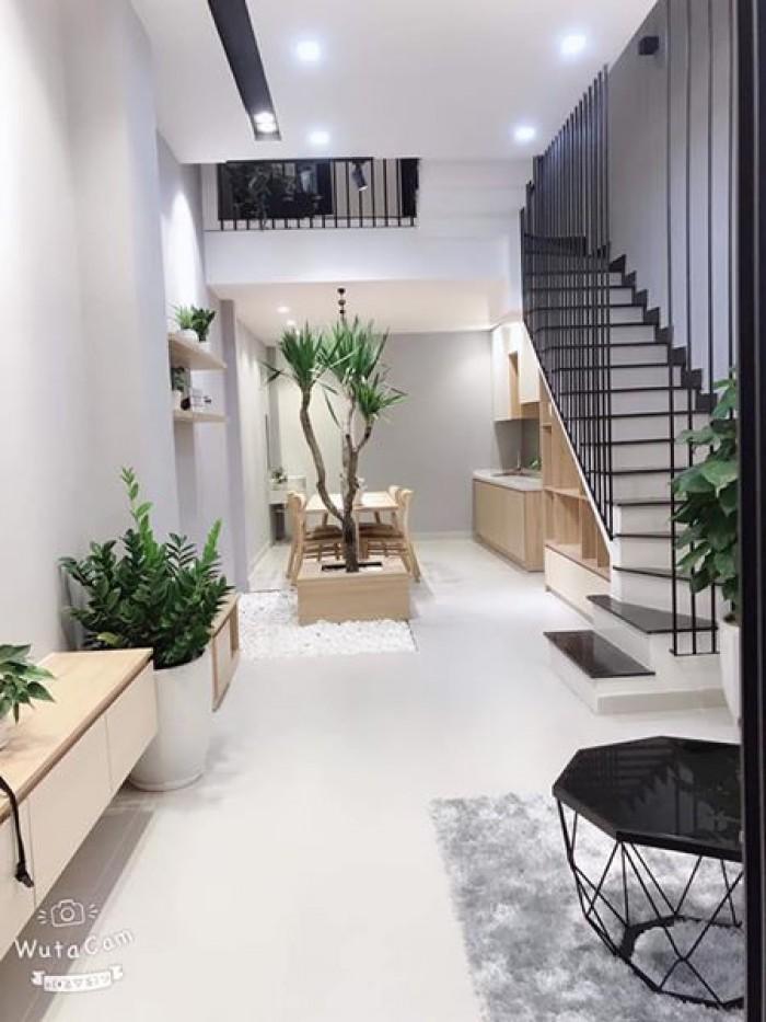 Nhà 3 tầng kiệt Nguyễn Tri Phương, đẹp chuẩn trên từng cm