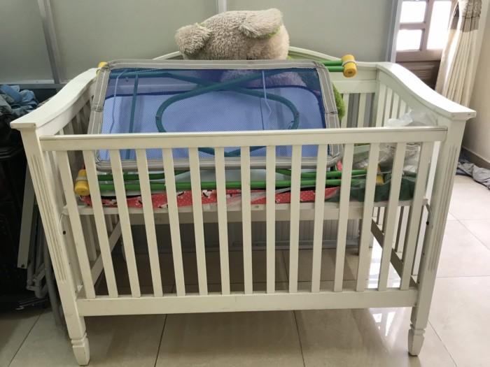Có thể làm giường ngủ cho e bé. chỉnh lên xuống được 3 nấc. Gỗ đẹp0