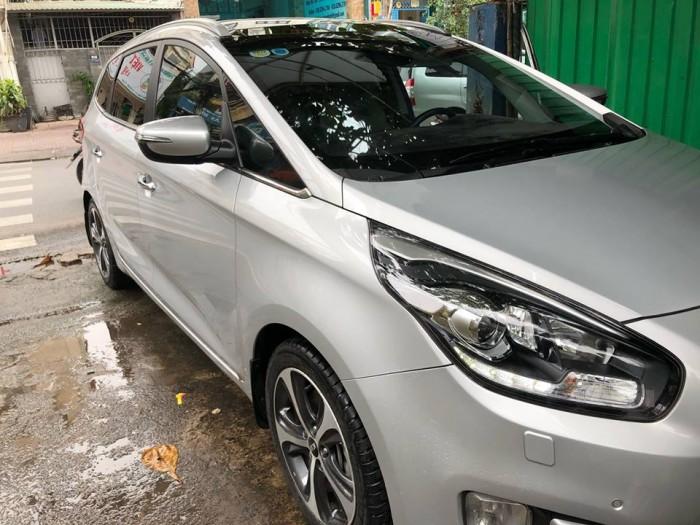 Cần bán Rondo 2018 số tự động máy dầu, màu bạc 3