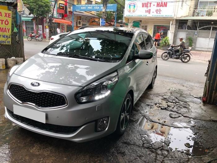 Cần bán Rondo 2018 số tự động máy dầu, màu bạc 4