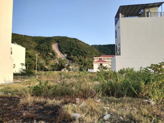 Bán gấp lô đất 90m2 ngay MT đường 10, KĐT Mipeco 68 Tô Hiệu Nha Trang