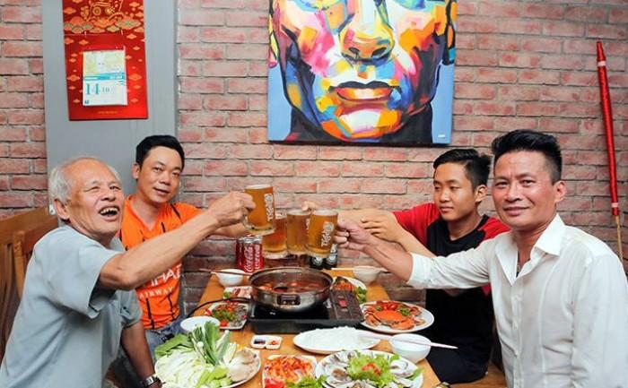 Buffet Hải Sản Nướng Lẩu HCM Nhà hàng Saigon Marvel Hostel giá rẻ