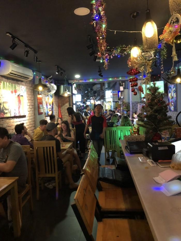 Buffet Hải Sản Nướng Lẩu HCM Nhà hàng Saigon Marvel Hostel giá rẻ7