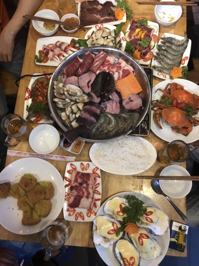 Buffet Hải Sản Nướng Lẩu HCM Nhà hàng Saigon Marvel Hostel giá rẻ1