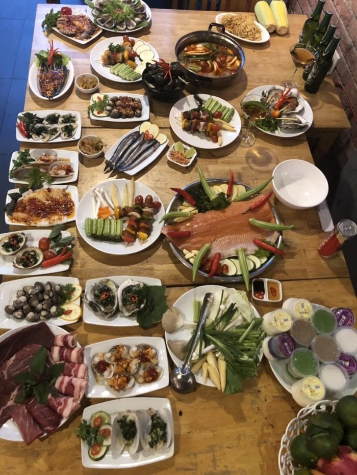 Buffet Hải Sản Nướng Lẩu HCM Nhà hàng Saigon Marvel Hostel giá rẻ3