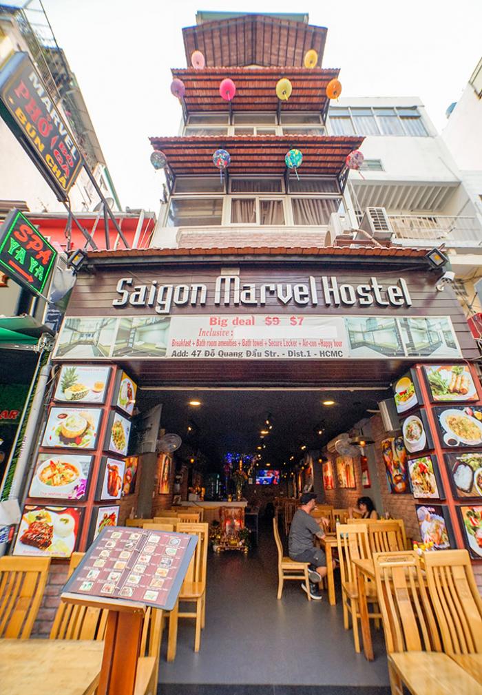 Buffet Hải Sản Nướng Lẩu HCM Nhà hàng Saigon Marvel Hostel giá rẻ11