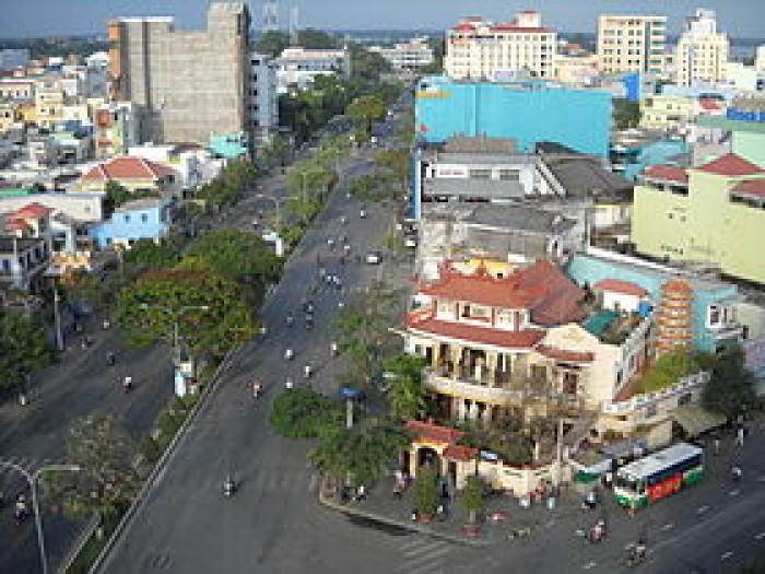 Bán nhà tại mặt đường Cửu Việt 1, Trâu Quỳ. DT:80m2, MT:4m.