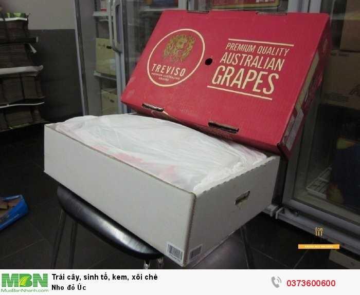 Khui thùng nho đỏ Úc tại MKnow
