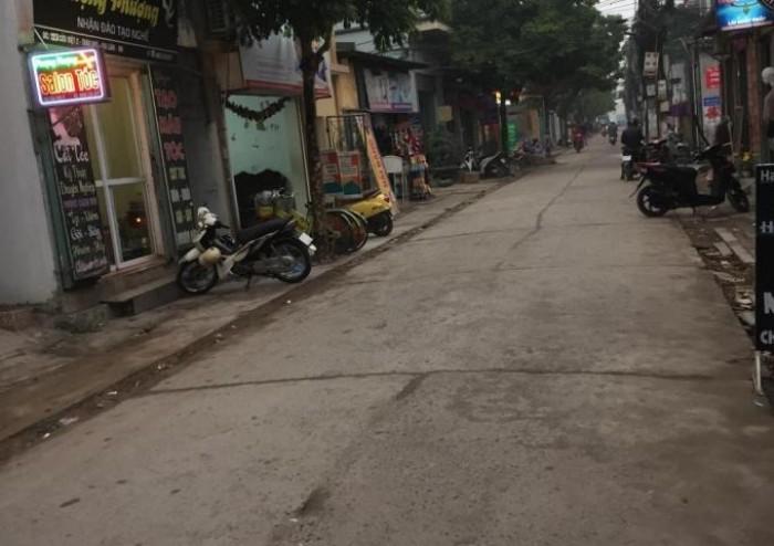 Đất mặt đường Cửu Việt- Thị trấn Trâu Quỳ- Gia Lâm- Hà Nội, giá 3.3 tỷ.