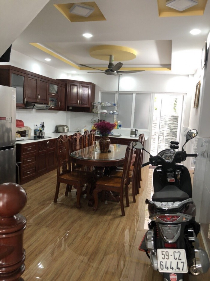 Cần bán gấp nhà 2 lầu KDC Tân Thuận Nam