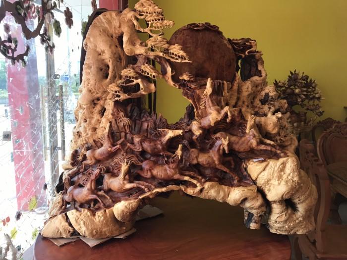 Tượng bát mã gỗ hiếm thấy tại Tiền Giang7