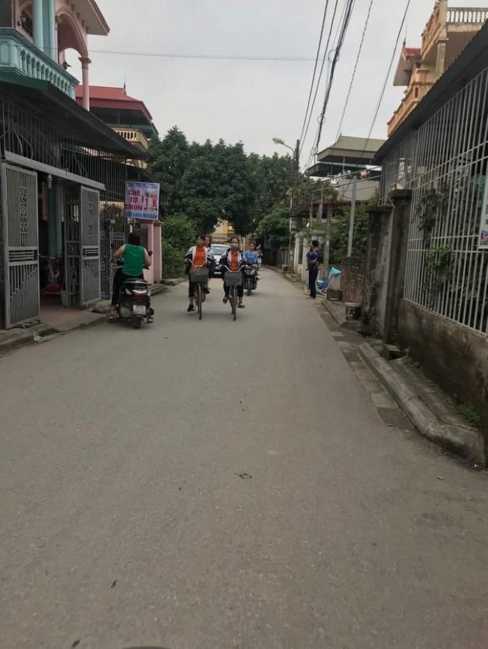 Đất Chợ Đồng Dinh Thạch Bàn, Long Biên Ô Tô Vào