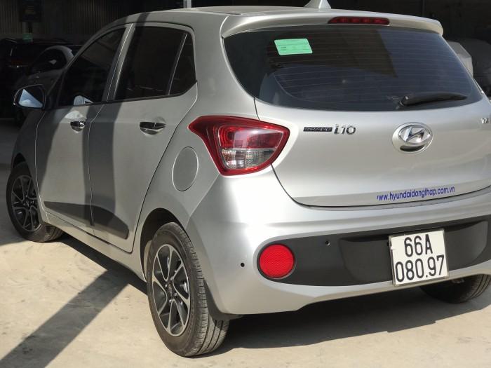 Bán Hyundai Grand i10 1.2AT 5 cửa màu bạc số tự động sản xuất 2018 đi 7800 km 5