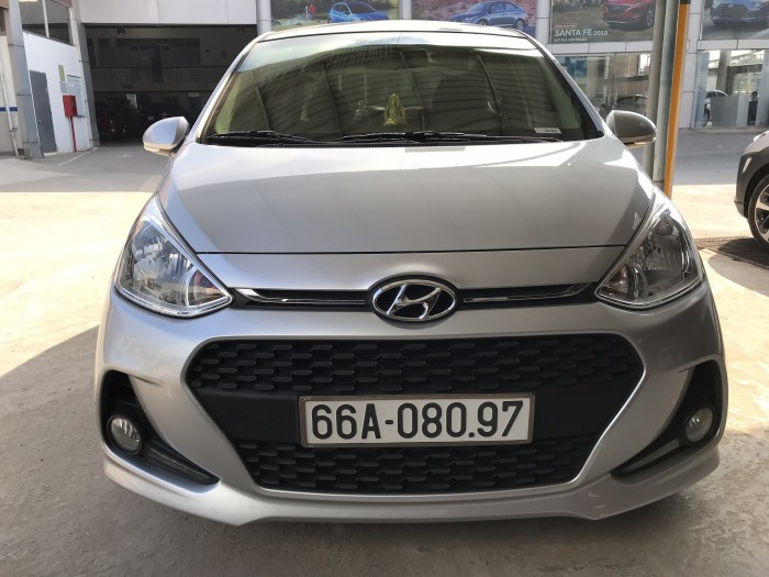 Bán Hyundai Grand i10 1.2AT 5 cửa màu bạc số tự động sản xuất 2018 đi 7800 km 4