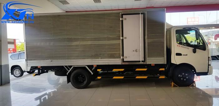 Xe Tải Hino 3 Tấn 5 - Hino XZU720L thùng dài 5m2 1